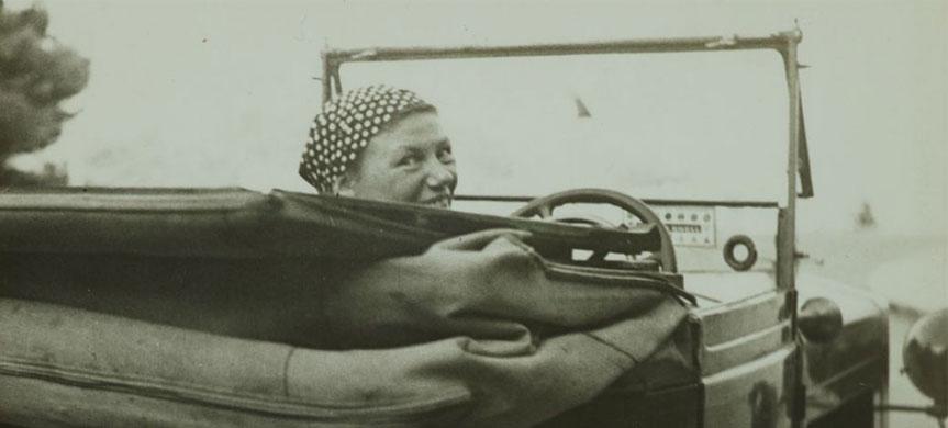 G.Krull dans son auto, Monte-Carlo, 1937