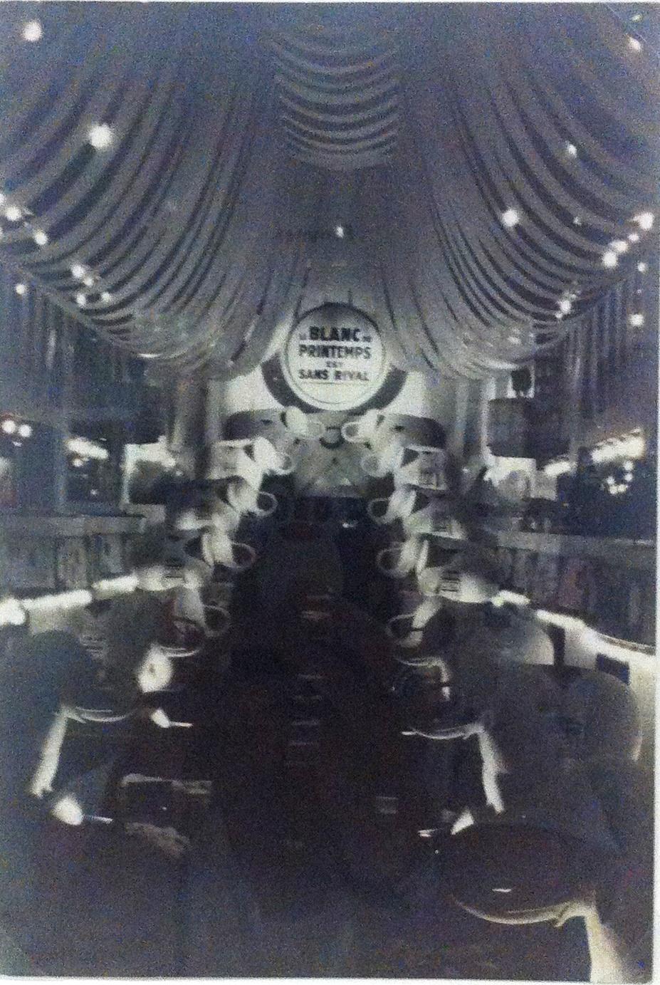 Semaine du blanc dans un grand magasin. Le Printemps, 1928