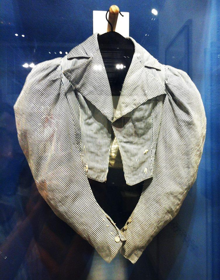 Spencer de cycliste, coton, boutons de nacre, vers 1900