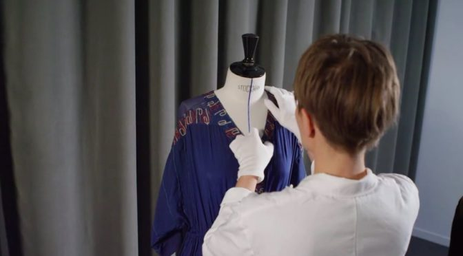 Follow the patriotic Dress and embroideries as they prepare to leave the Lanvin Heritage Department and make their way to Forney for the exhibition « Mode et Femmes, 14-18. »